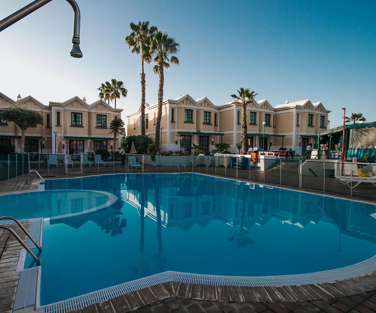 sunsgarden home-instalaciones-piscina02